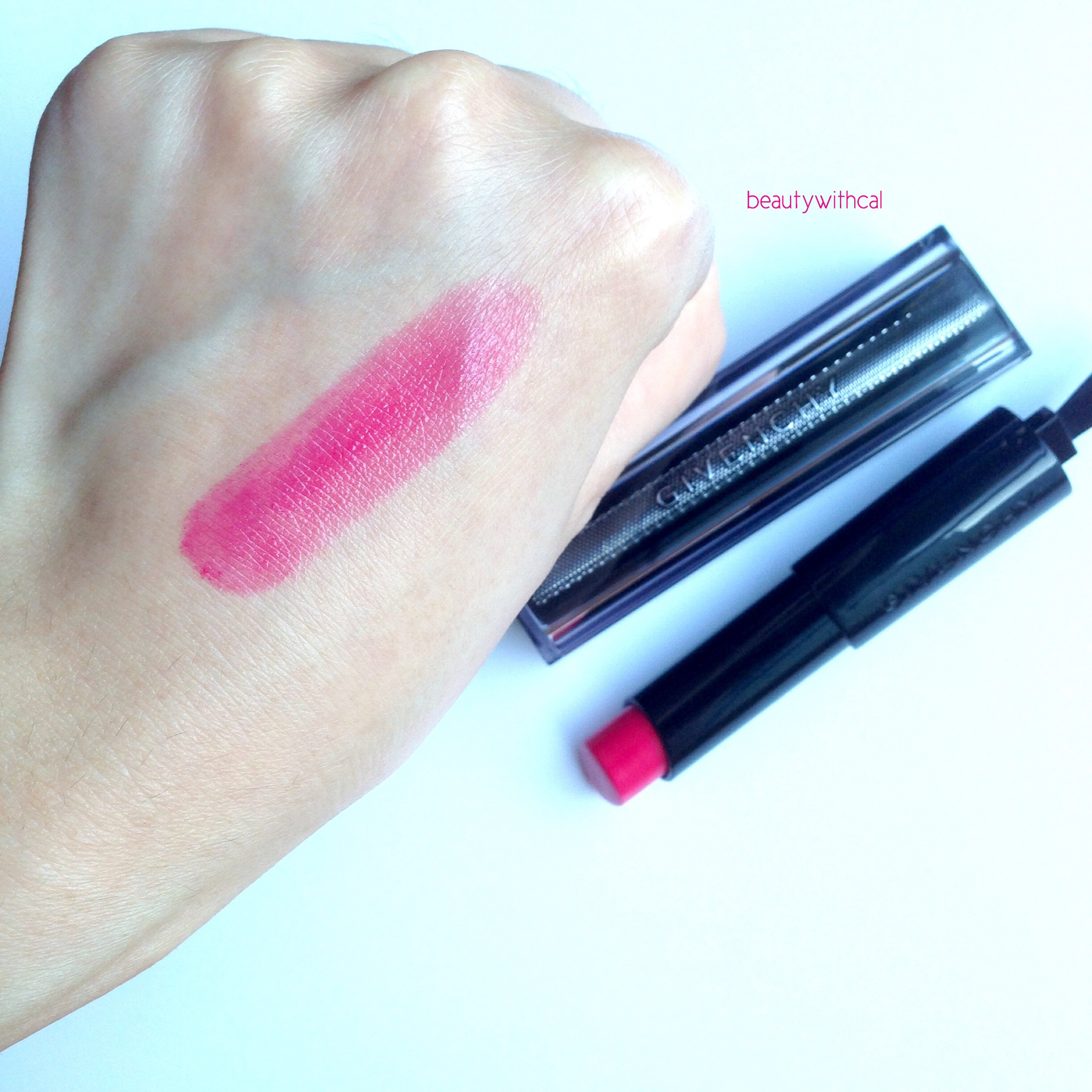 Review givenchy teint couture cushion and rouge interdit for Givenchy teint miroir lift comfort